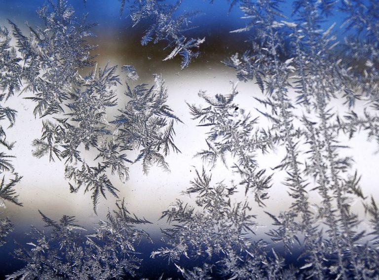snowflake-1588511_960_720